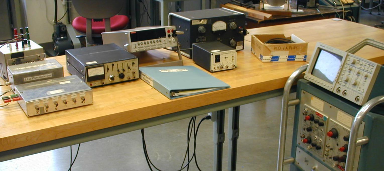 Physics 432 Phase Sensitive Detection Lockin Amplifierj Experiment Information